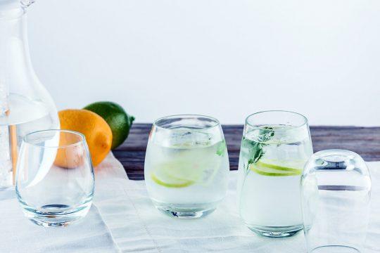 クリスタルポリカーボネイト グラス